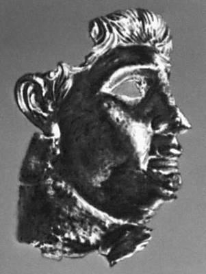 Эллинистическая культура. Голова статуи Антиоха IV из Шами. Бронза. 2 в. до н. э. Археологический музей. Тегеран. Эллинистическая культура.
